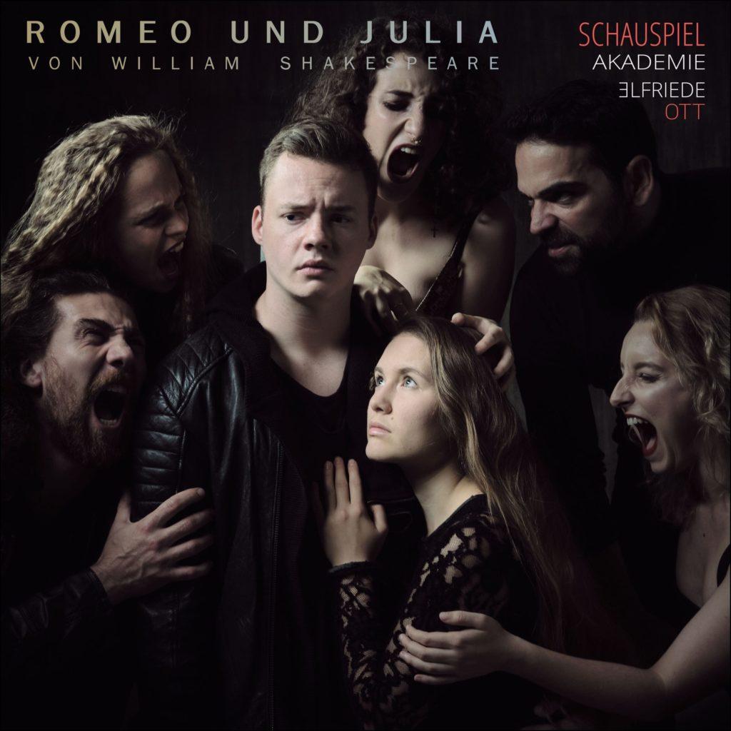 Romeo & Julia – Social Media